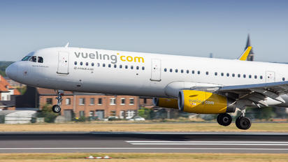EC-MRF - Vueling Airlines Airbus A321
