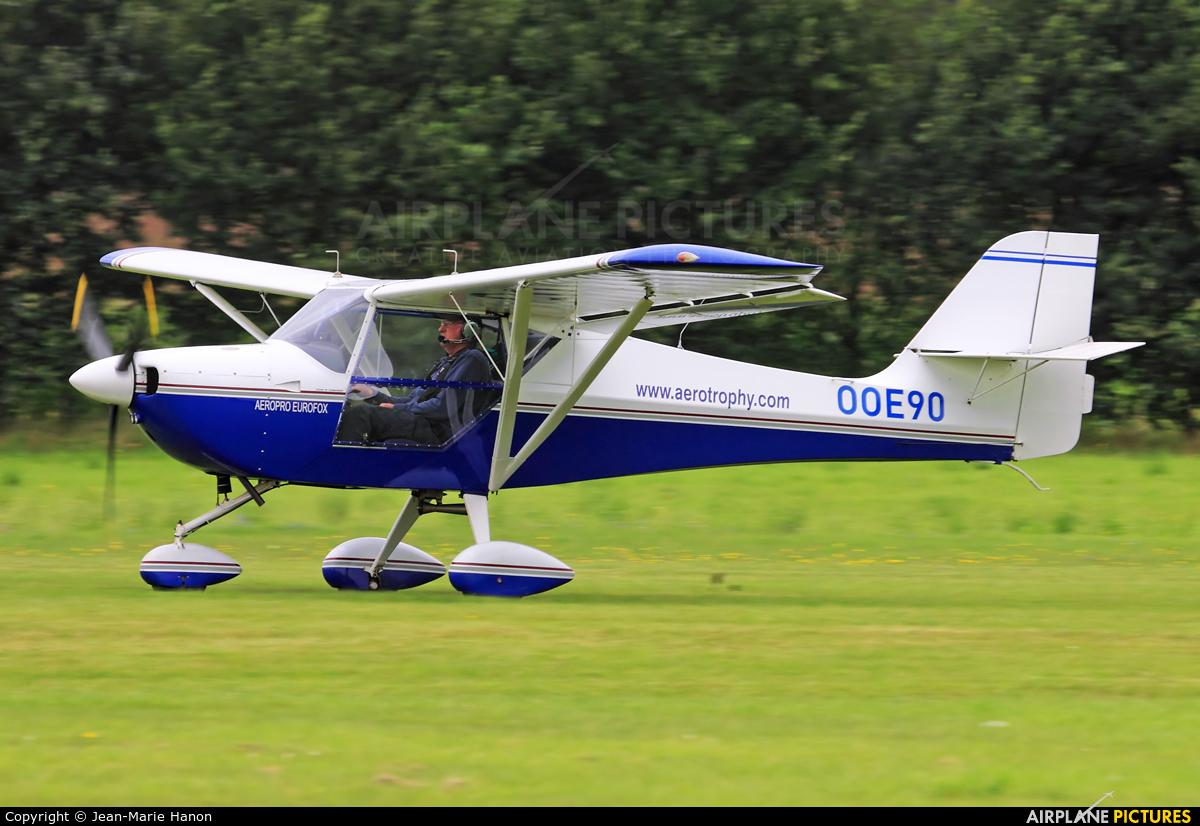 Private OO-E90 aircraft at Diest Schaffen