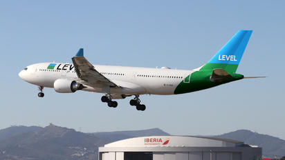 EC-MOU - LEVEL Airbus A330-200
