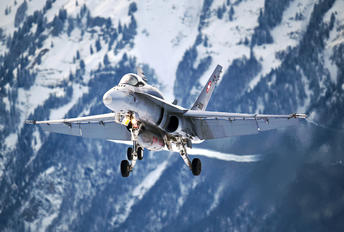 J-5009 - Switzerland - Air Force McDonnell Douglas F/A-18C Hornet