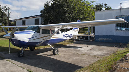 N7144Q - Private Cessna 206 Stationair (all models)