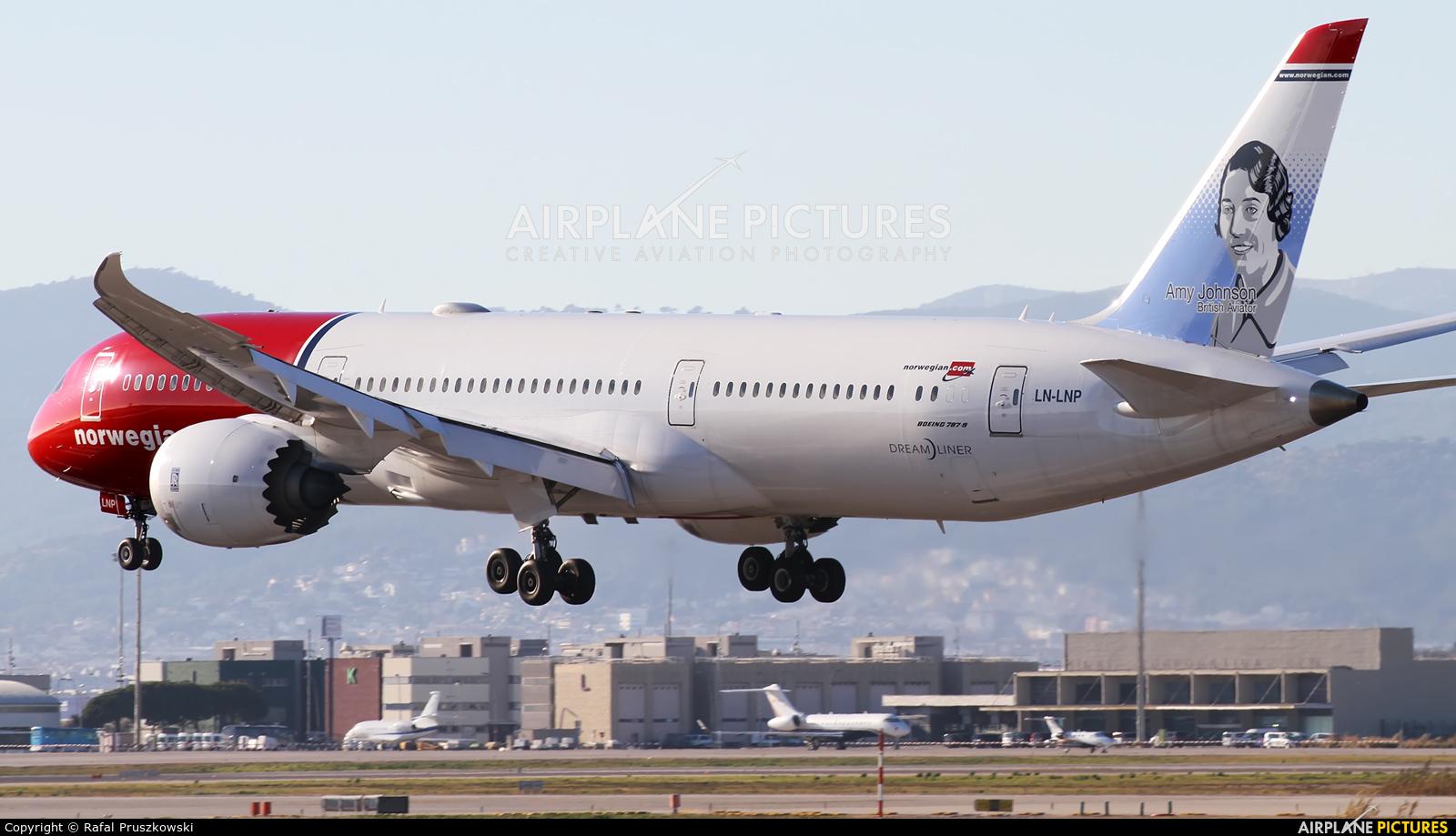 Norwegian Long Haul LN-LNP aircraft at Barcelona - El Prat