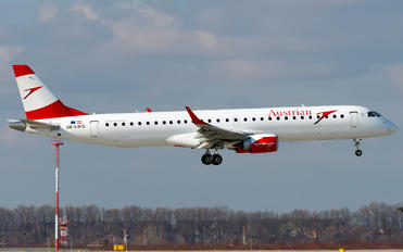OE-LWG - Austrian Airlines/Arrows/Tyrolean Embraer ERJ-195 (190-200)