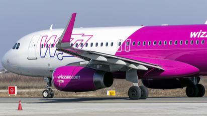 HA-LWT - Wizz Air Airbus A320