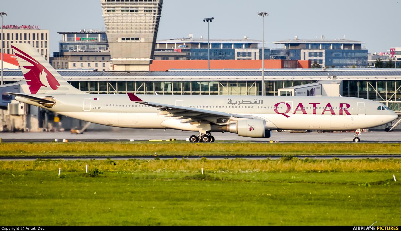Qatar Airways A7-AEH aircraft at Warsaw - Frederic Chopin
