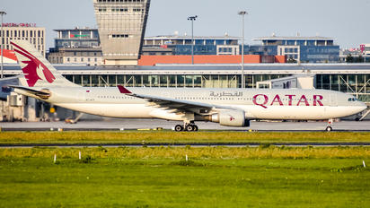 A7-AEH - Qatar Airways Airbus A330-300