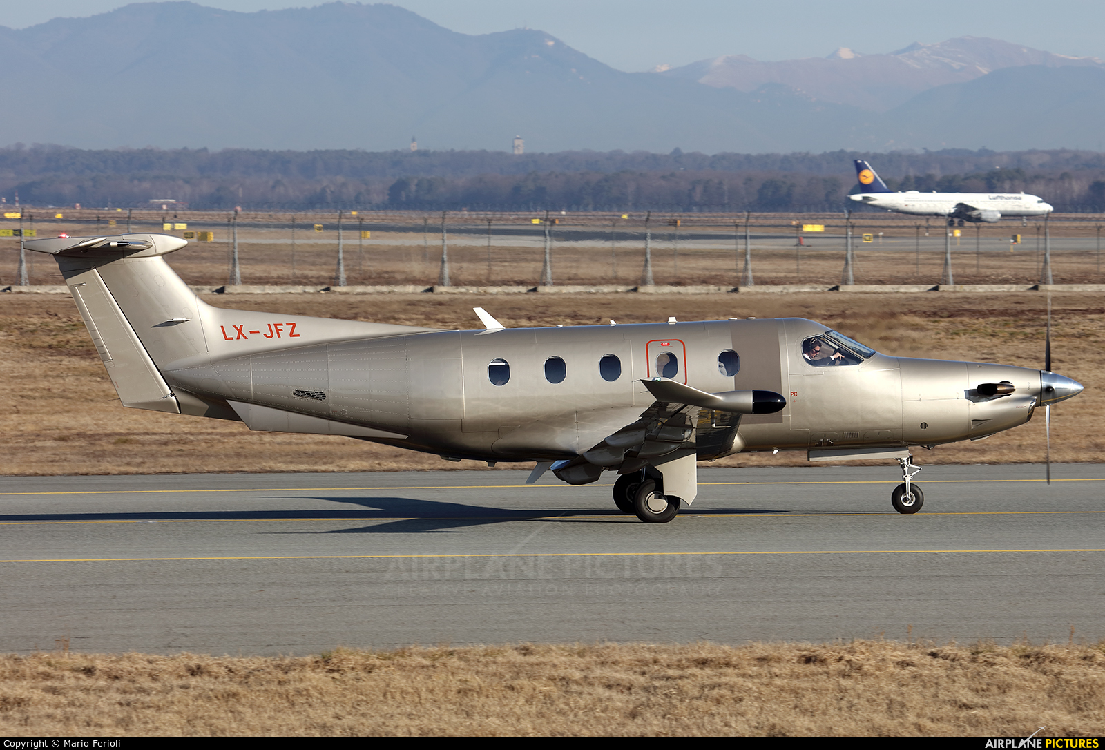 Jetfly Aviation LX-JFZ aircraft at Milan - Malpensa