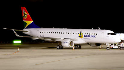 ZS-YAY - Airlink Airways (South Africa) Embraer ERJ-190 (190-100)
