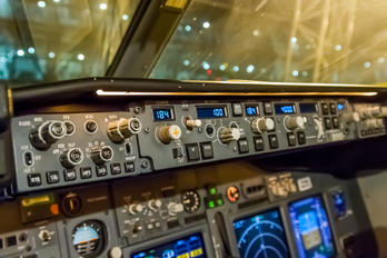 - - GOL Transportes Aéreos  Boeing 737-800