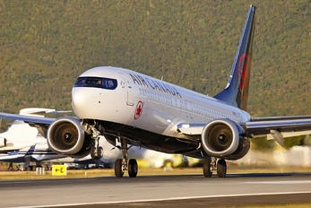C-FSJJ - Air Canada Boeing 737-8 MAX
