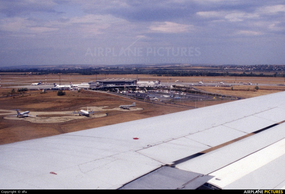- Airport Overview - aircraft at Budapest Ferihegy Museum