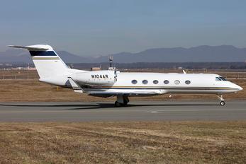 N104AR - Private Gulfstream Aerospace G-IV,  G-IV-SP, G-IV-X, G300, G350, G400, G450