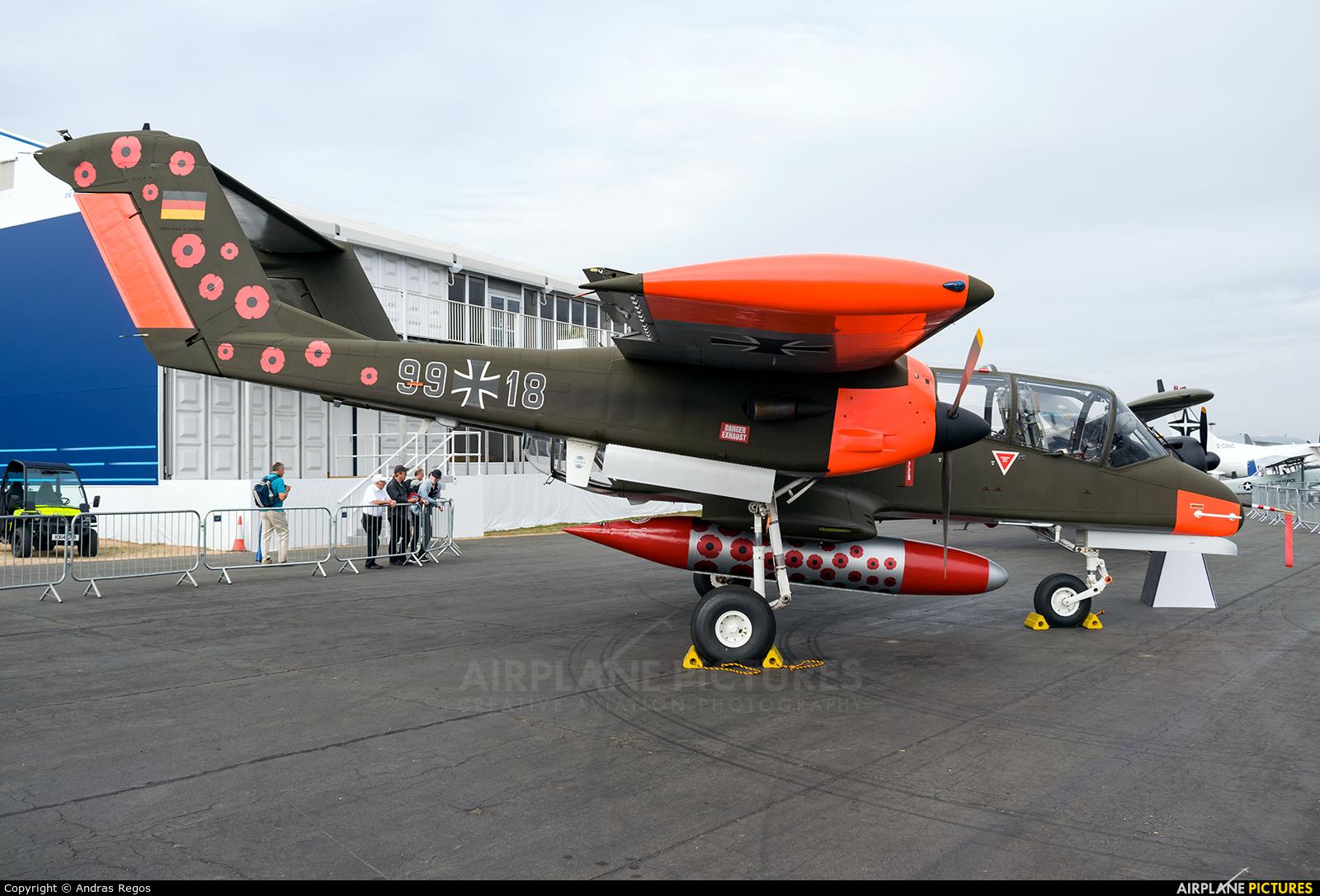 Private G-ONAA aircraft at Farnborough