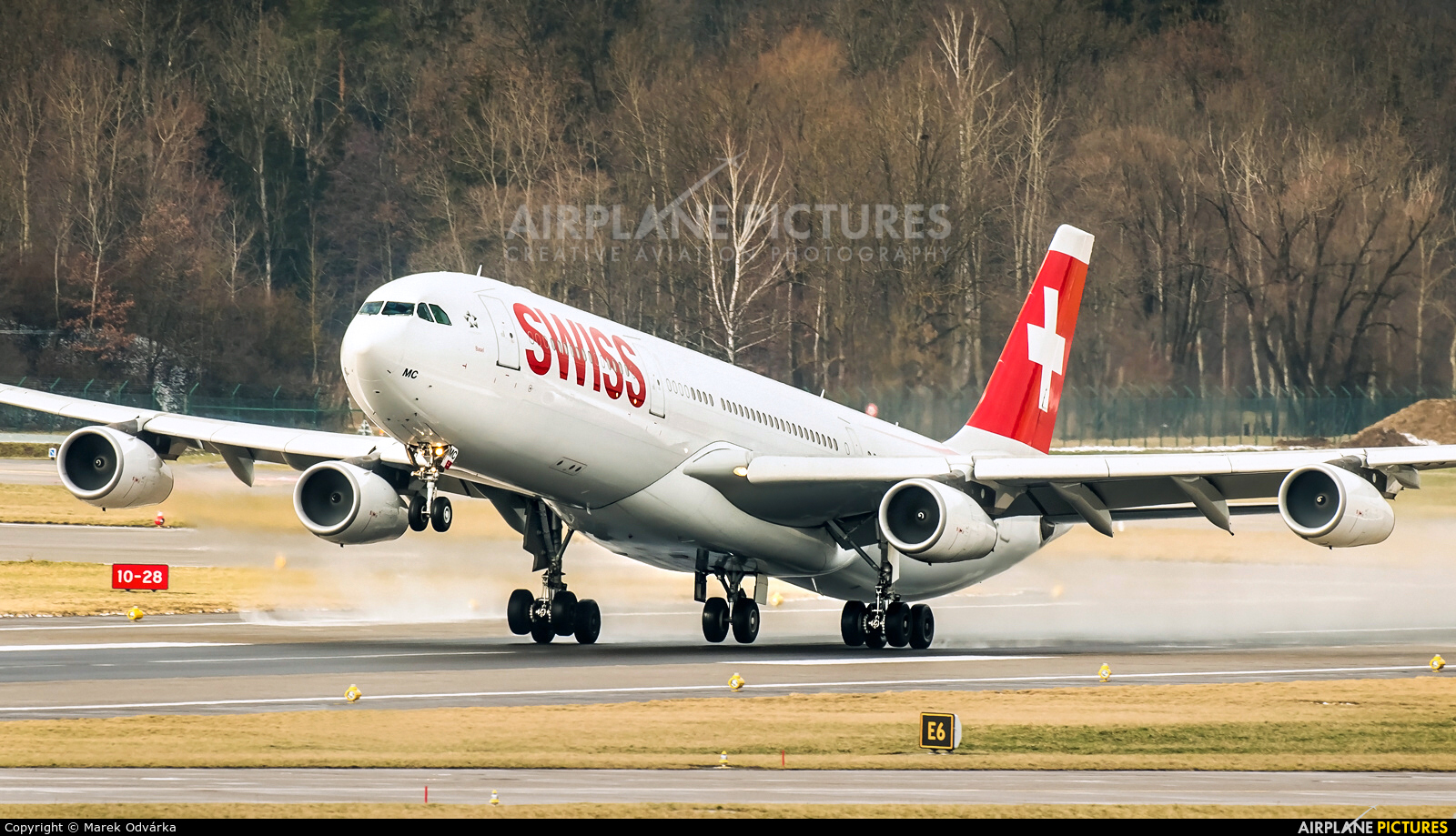 Swiss HB-JMC aircraft at Zurich