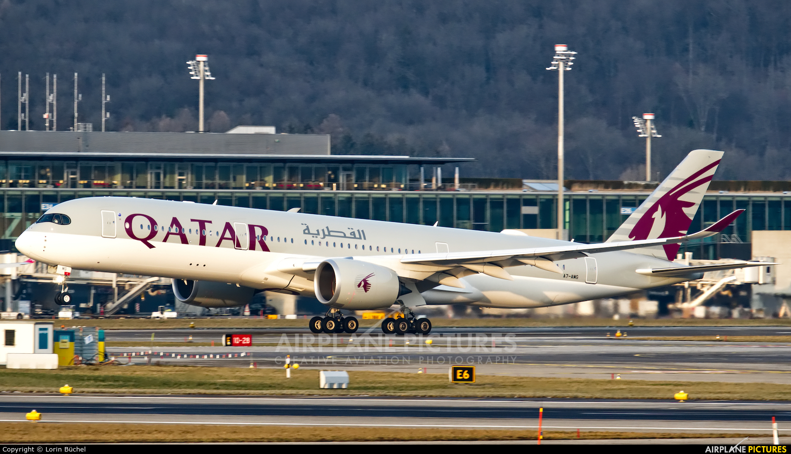 Qatar Airways A7-AMG aircraft at Zurich
