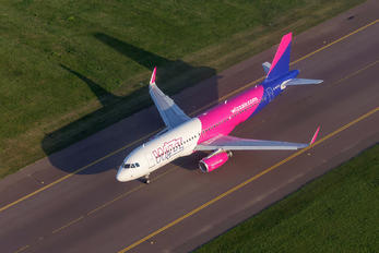 G-WUKD - Wizz Air UK Airbus A320