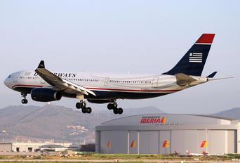 N280AY - US Airways Airbus A330-200