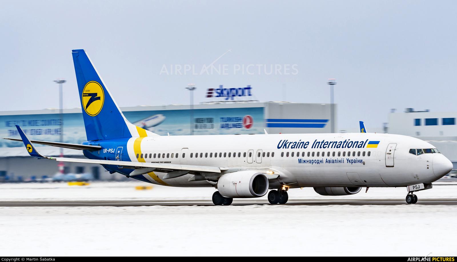 Ukraine International Airlines UR-PSJ aircraft at Prague - Václav Havel