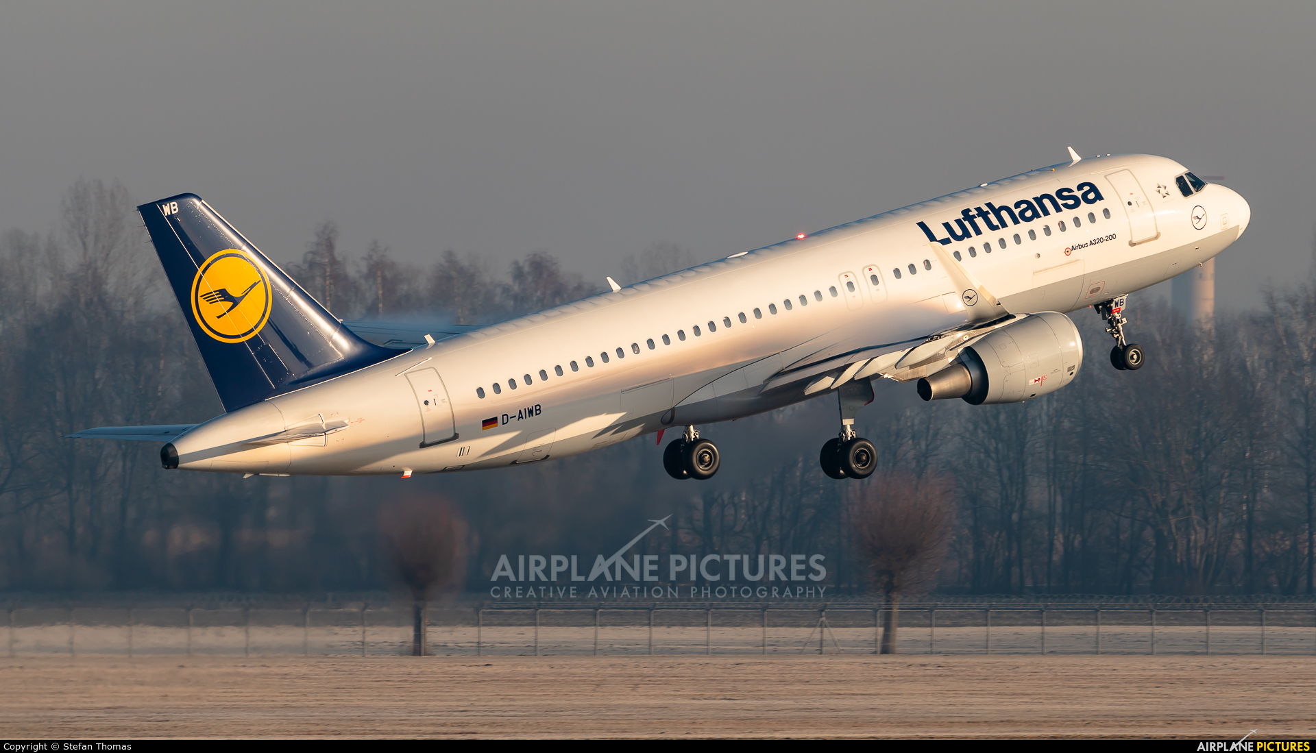 Lufthansa D-AIWB aircraft at Munich