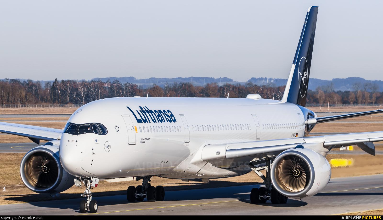 Lufthansa D-AIXL aircraft at Munich