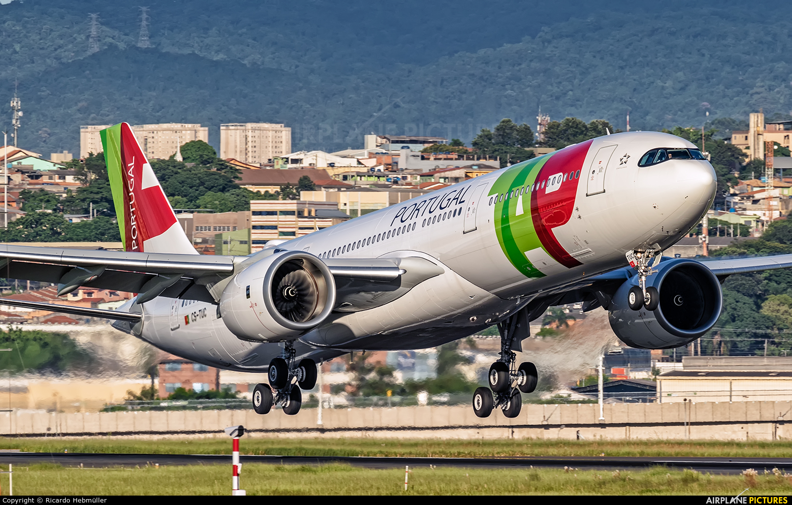 Air Portugal CS-TUC aircraft at São Paulo - Guarulhos