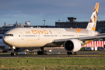 A6-ETE - Etihad Airways Boeing 777-300ER