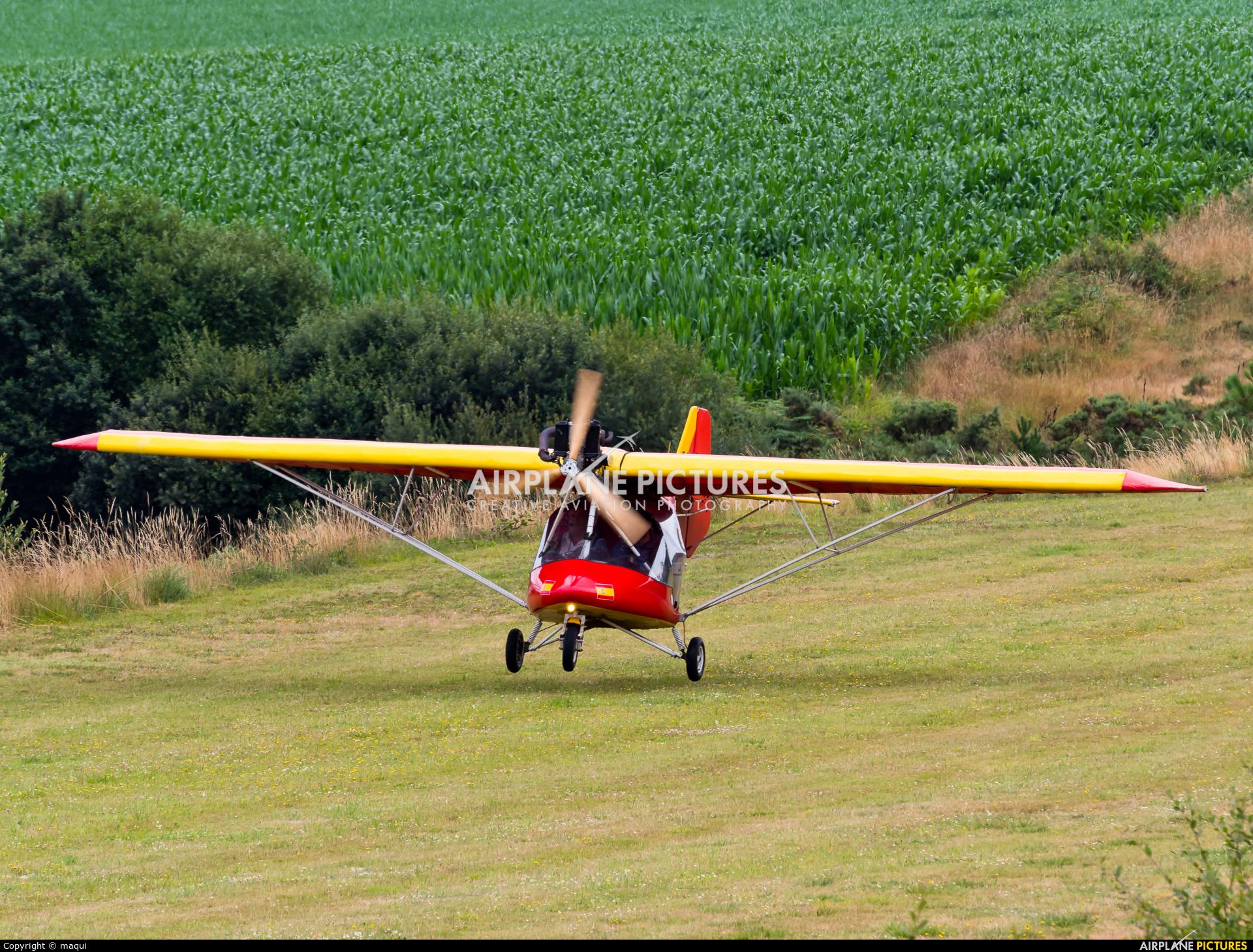 Private EC-FR8 aircraft at Aerodromo De Mazaricos