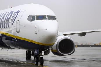 EI-FRZ - Ryanair Boeing 737-8AS
