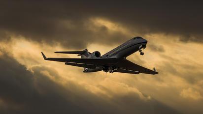 N915AM - Private Gulfstream Aerospace G-IV,  G-IV-SP, G-IV-X, G300, G350, G400, G450