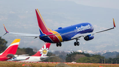 N8302F - Southwest Airlines Boeing 737-800