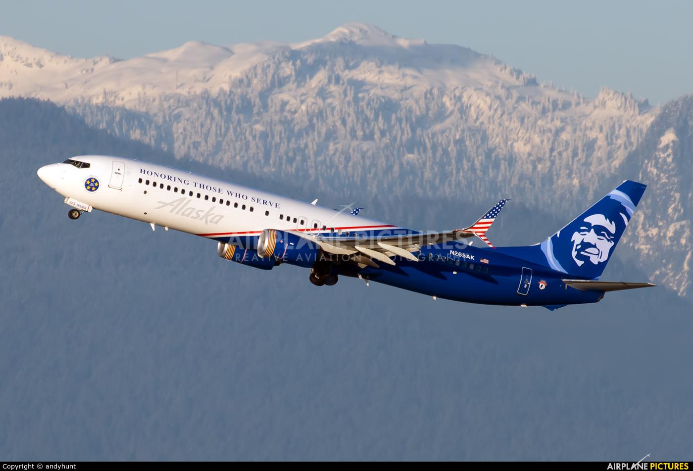 Alaska Airlines N265AK aircraft at Vancouver Intl, BC