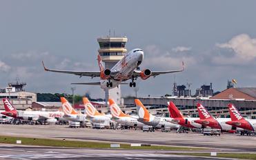 PR-GHX - GOL Transportes Aéreos  - Airport Overview - Apron