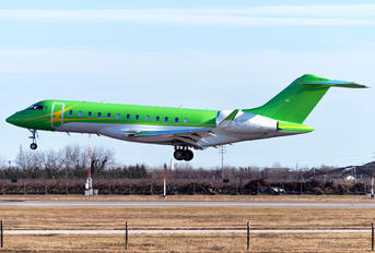 P4-GMS - Private Bombardier BD-700 Global Express