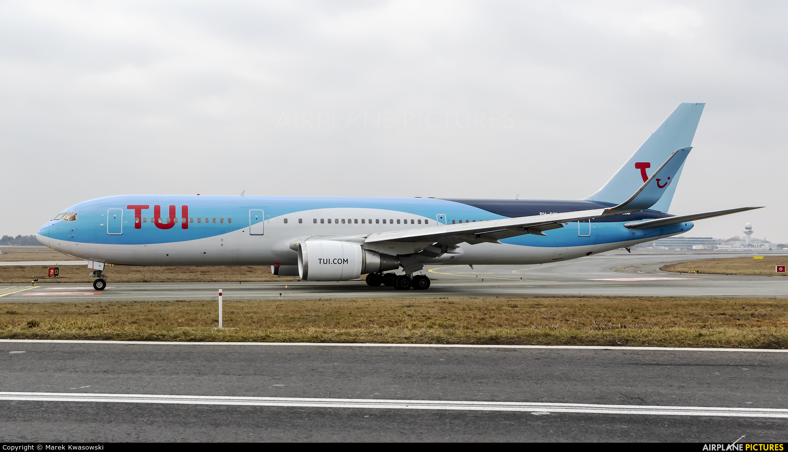 TUI Airlines Netherlands PH-OYI aircraft at Warsaw - Frederic Chopin