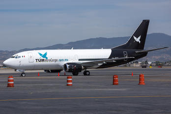 XA-MCF -  Boeing 737-300QC