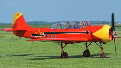 PH-YAX - Private Yakovlev Yak-52