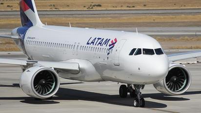 CC-BHC - LATAM Chile Airbus A320 NEO