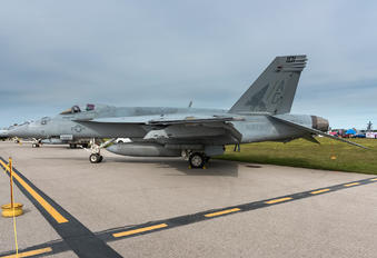 168921 - USA - Navy Boeing F/A-18E Super Hornet