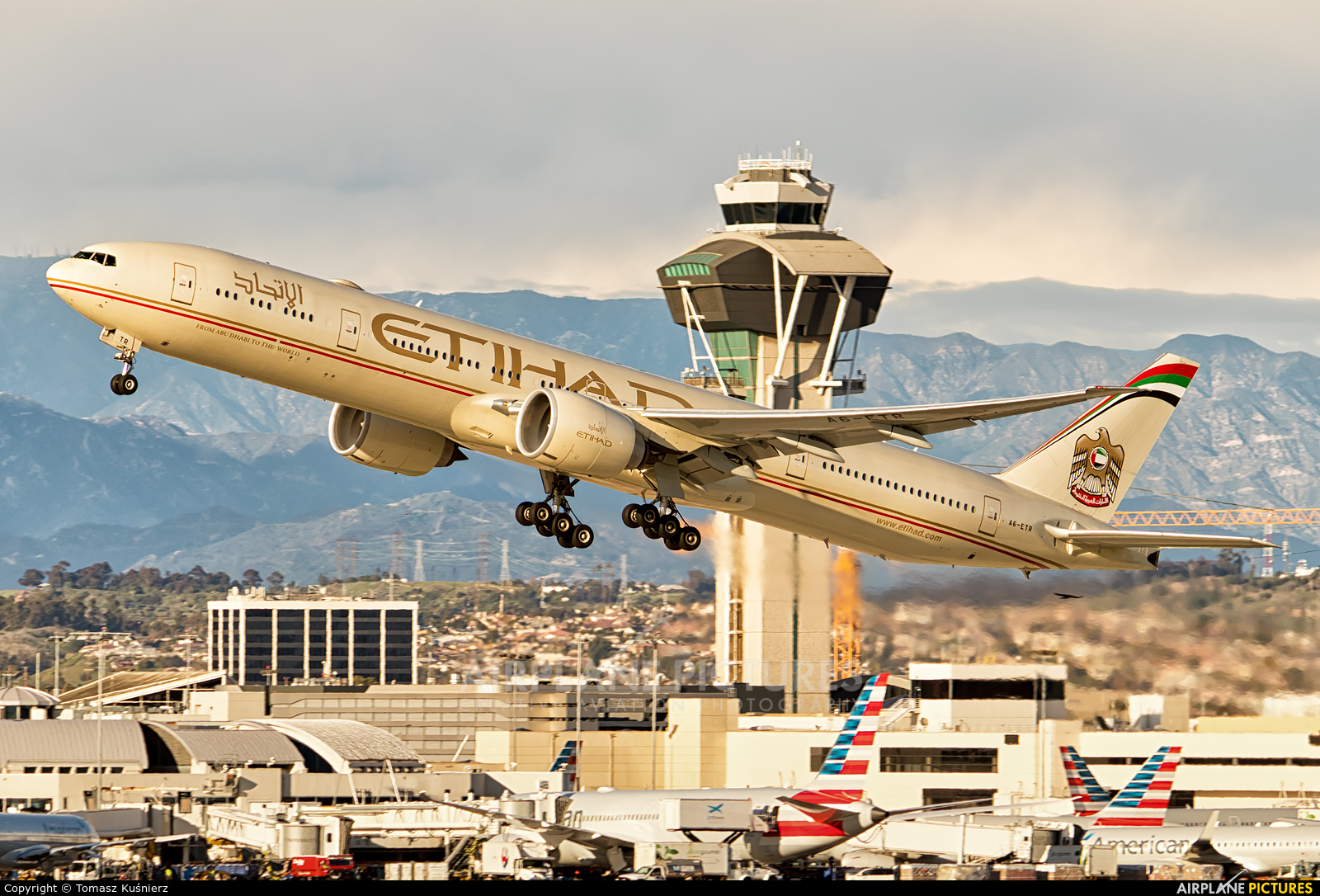 Etihad Airways A6-ETR aircraft at Los Angeles Intl