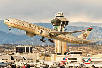 A6-ETR - Etihad Airways Boeing 777-300ER