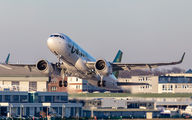 B306P - Spring Airlines Airbus A320 NEO aircraft