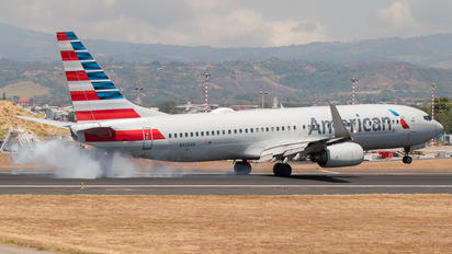 N926AN - American Airlines Boeing 737-800