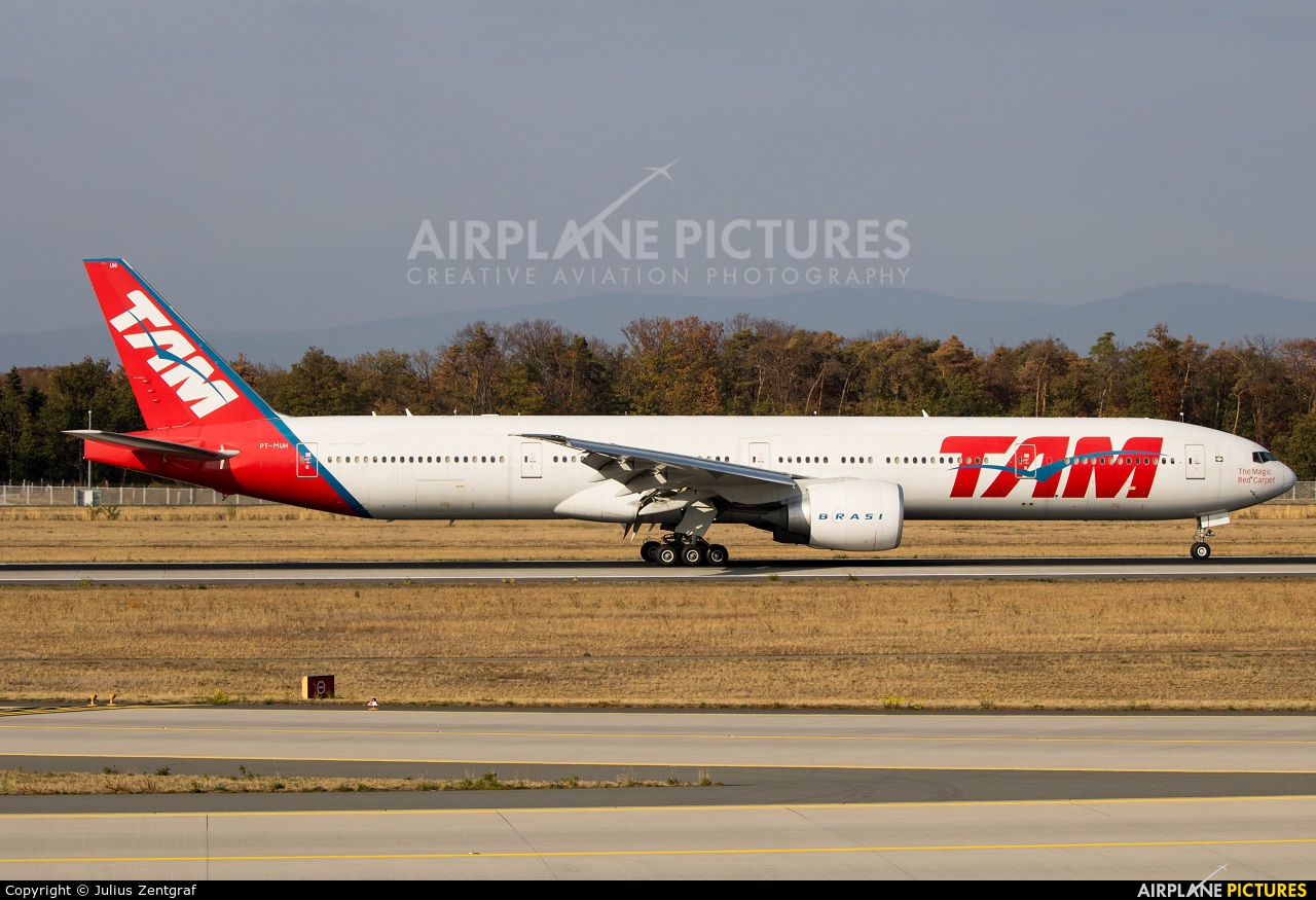 TAM PT-MUH aircraft at Frankfurt
