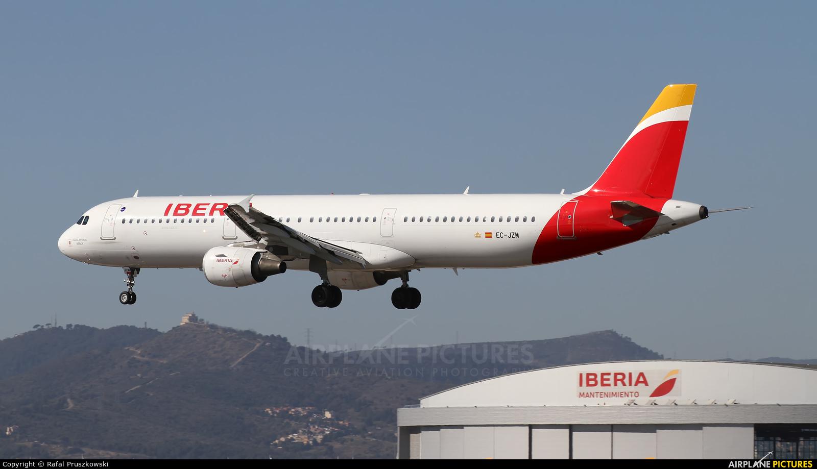Iberia EC-JZM aircraft at Barcelona - El Prat