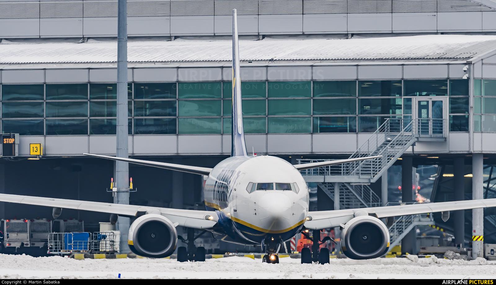 Ryanair EI-DHV aircraft at Prague - Václav Havel