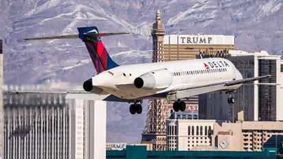 N925AT - Delta Air Lines Boeing 717