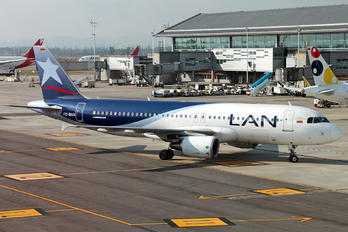 CC-BAX - LAN Airlines Airbus A320