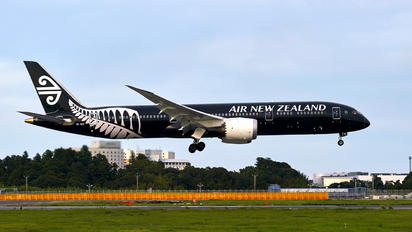 ZK-NZE - Air New Zealand Boeing 787-9 Dreamliner