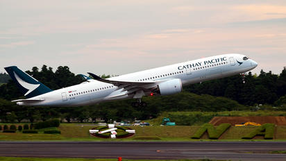 B-LRM - Cathay Pacific Airbus A350-900