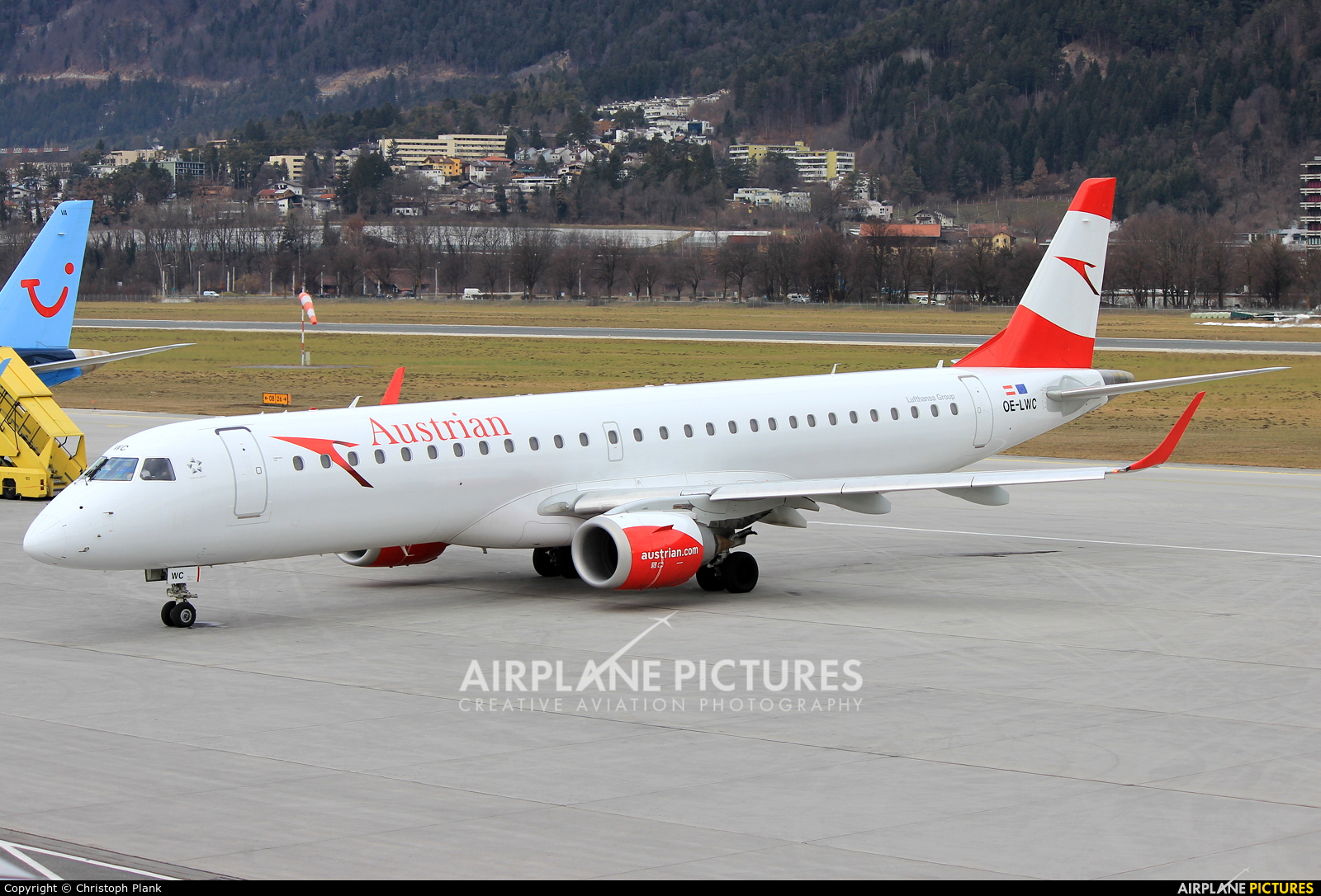 Austrian Airlines/Arrows/Tyrolean OE-LWC aircraft at Innsbruck